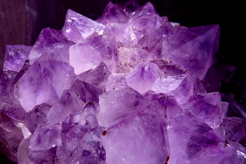 f185ab5a55f4 ▷ Cuarzo Violeta  Lo que jamás te han contado -  El Cuarzo Rosa