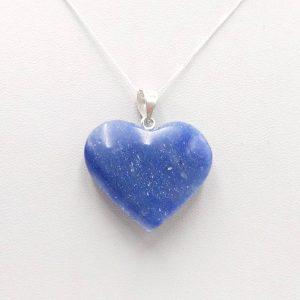 corazon de cuarzo azul