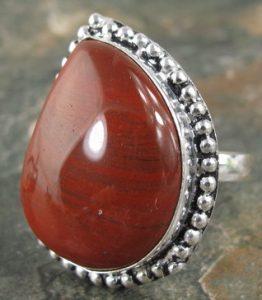 anillo rojo joyeria