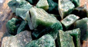 piedra de aventurina en bruto