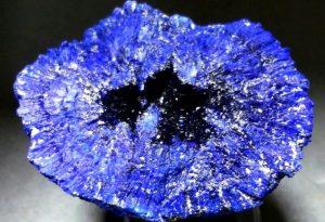 piedra azuirta en bruto