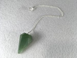 collar de punta de aventurina verde