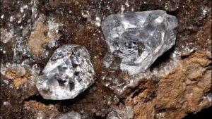 piedra de diamante en bruto