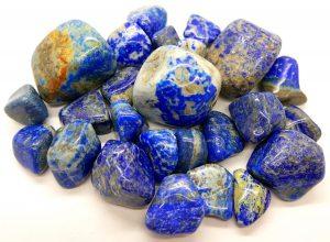piedra lapislazuli en bruto