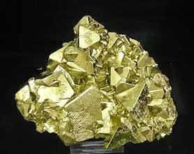 pirita color de oro