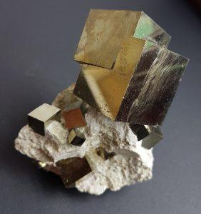 propiedades de la piedra pirita