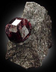 piedra almandino