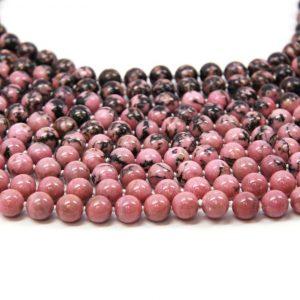 collar de piedra rosa