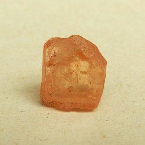 piedra pulida de topacio marron