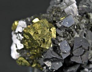 propiedades de la piedra clacopirita