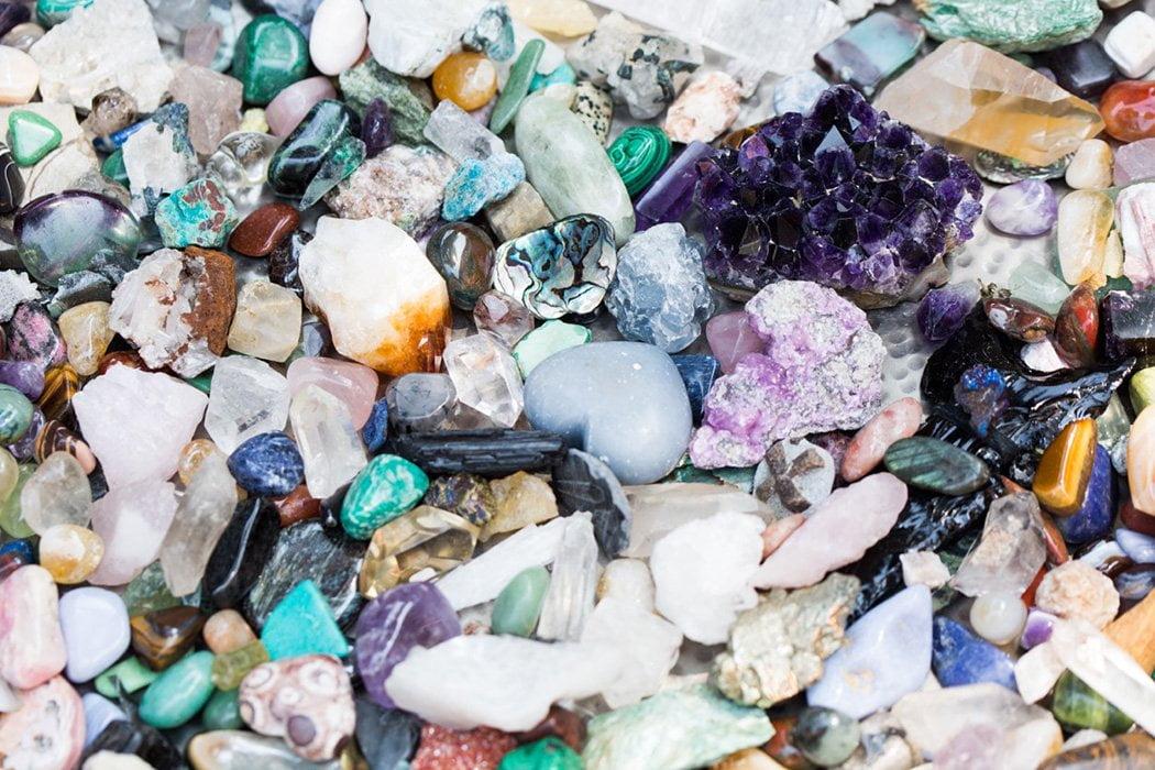 Magnificando tus autoafirmaciones con cristales