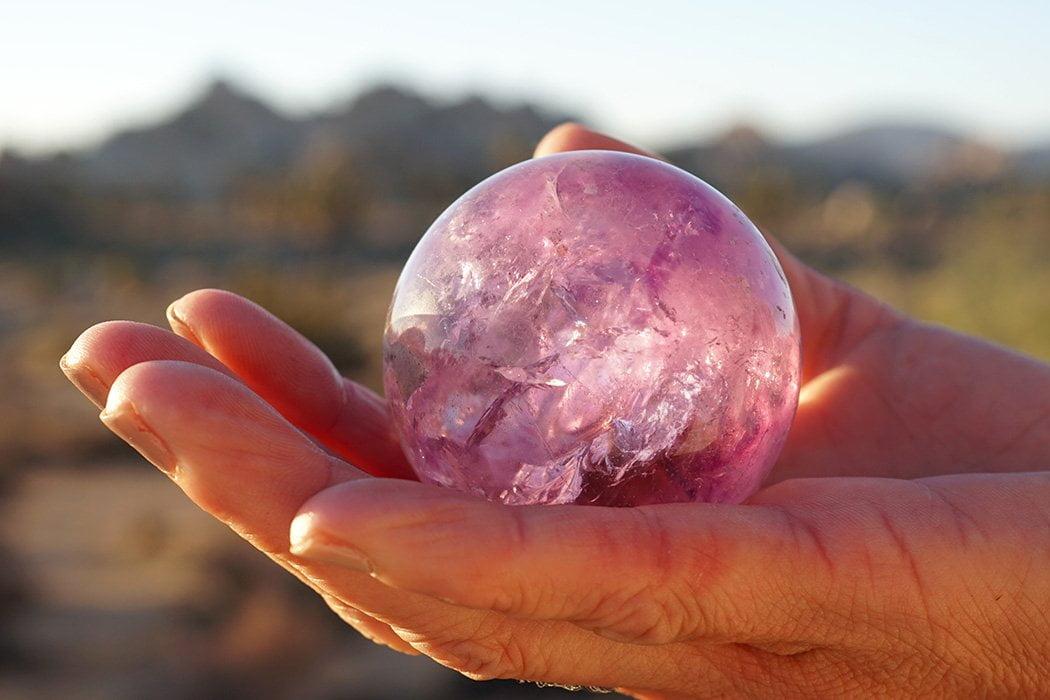5 formas simples de usar una esfera de cristal